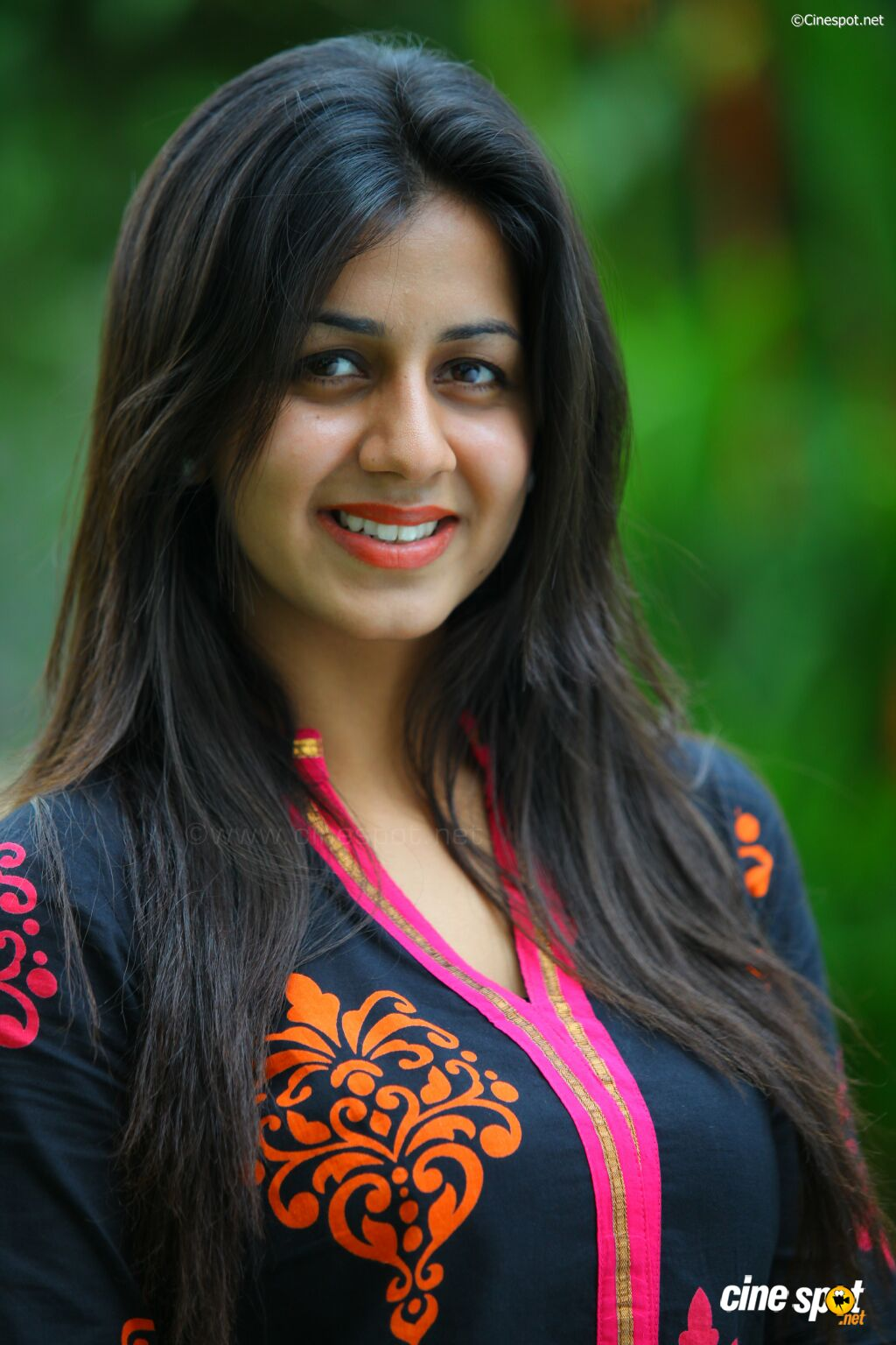 Nikki Galrani photoshoot (6): www.cinespot.net/gallery/v/South+Cinema/Actress/Nikki+Galrani...