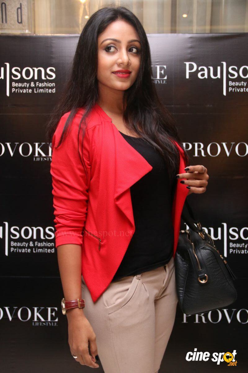 Eden at Provoke Lifestyle Magazine Cover Launch (9)