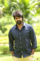 Naveen Chandra at Lachhindeviki O Lekkundi Logo Launch (1)