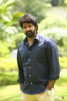 Naveen Chandra at Lachhindeviki O Lekkundi Logo Launch (4)