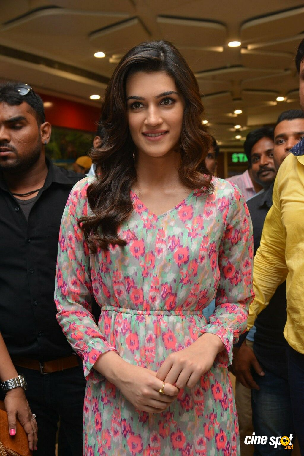 Kriti Sanon Latest Photos (3)