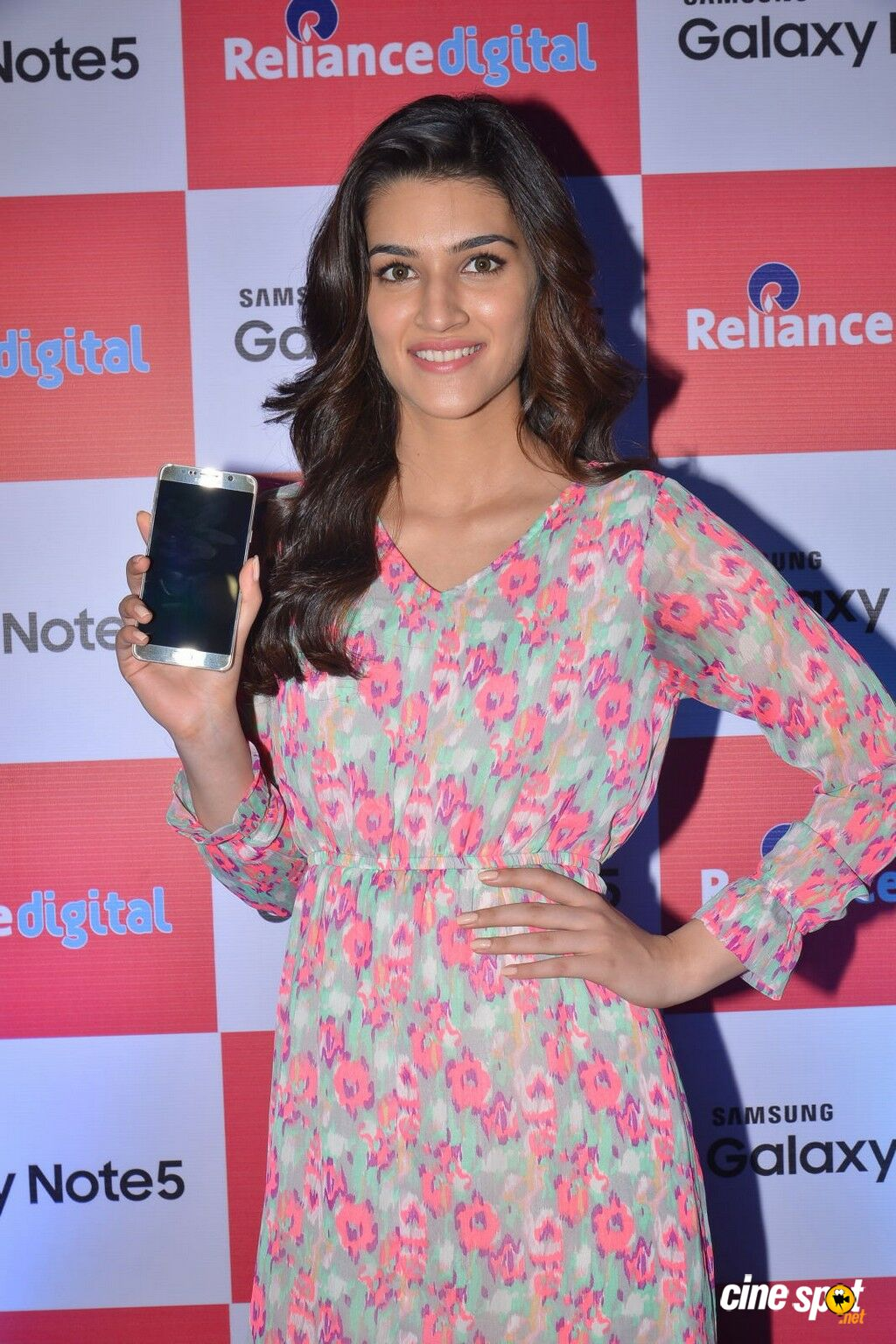 Kriti Sanon Latest Photos (31)