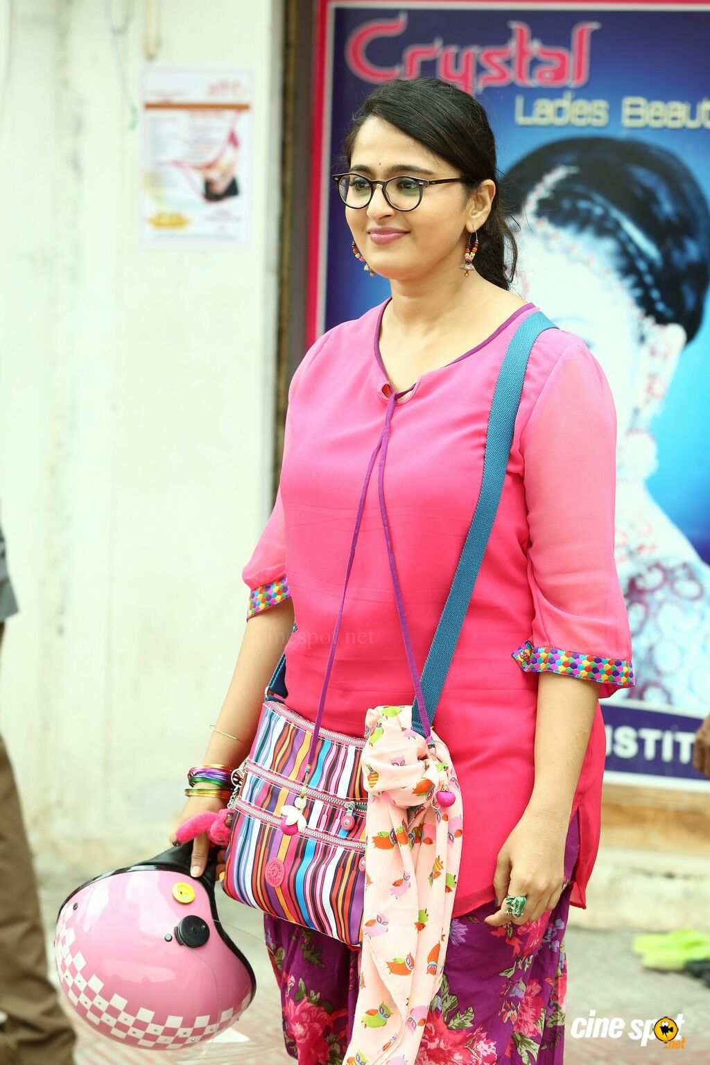 Anushka Latest Stills in Size Zero  (2)