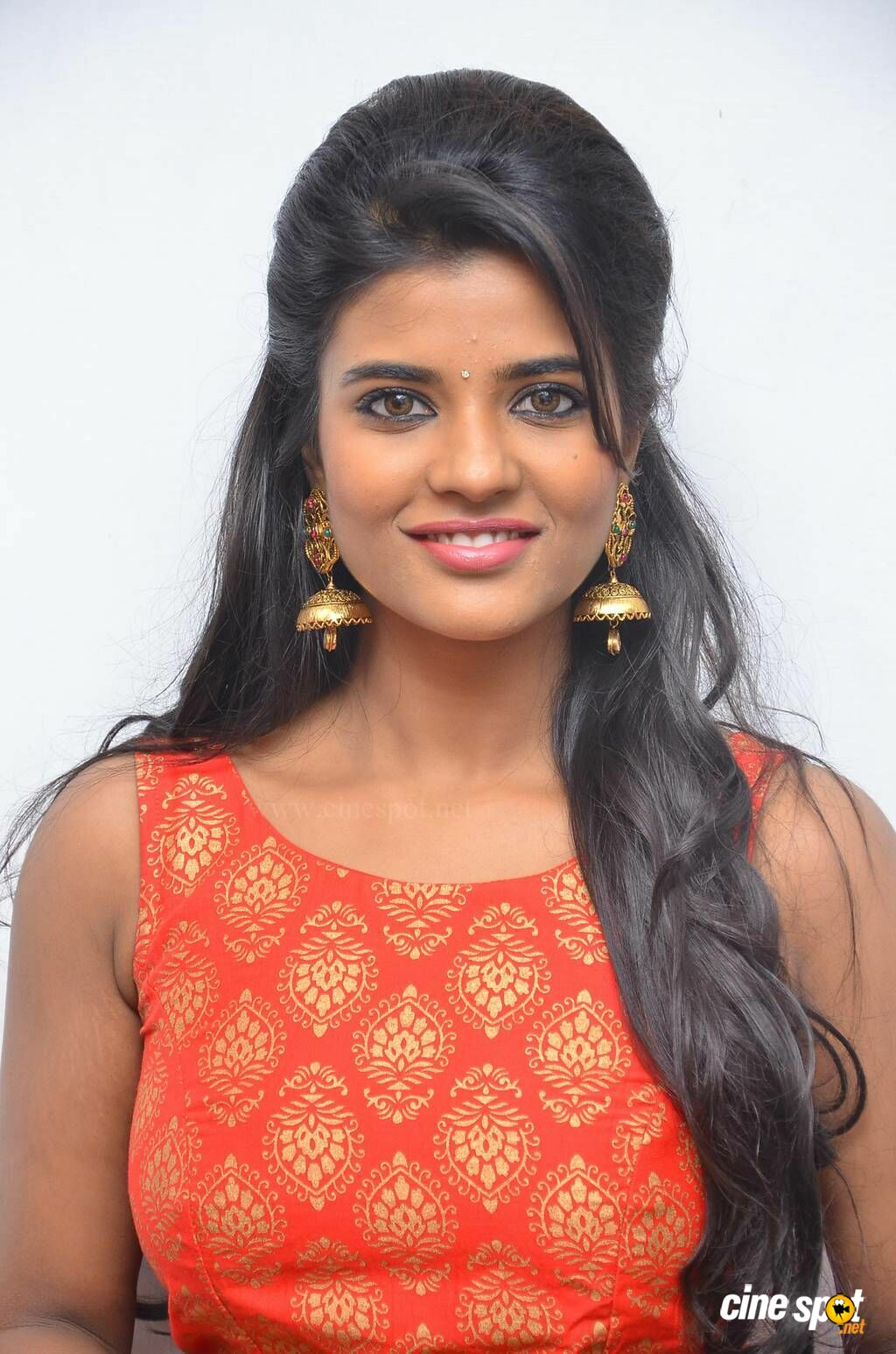 aishwarya rajesh at hello naan pei pesuren audio launch 6