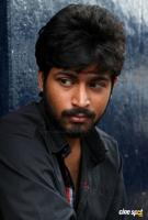 Harish Kalyan in Vil Ambu (2)