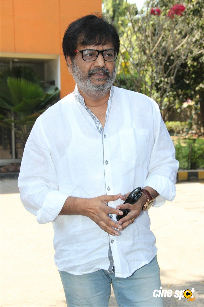 Vivek at Thozha Movie Press Meet (3)