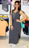 Ileana at Reliance Trends Store Launch (1)