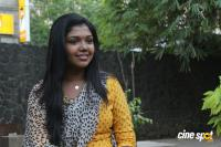 Riythvika at Enakku Veru Engum Kilaigal Kidaiyathu Audio Launch (1)