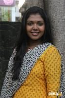 Riythvika at Enakku Veru Engum Kilaigal Kidaiyathu Audio Launch (14)