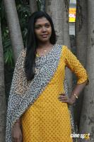 Riythvika at Enakku Veru Engum Kilaigal Kidaiyathu Audio Launch (5)