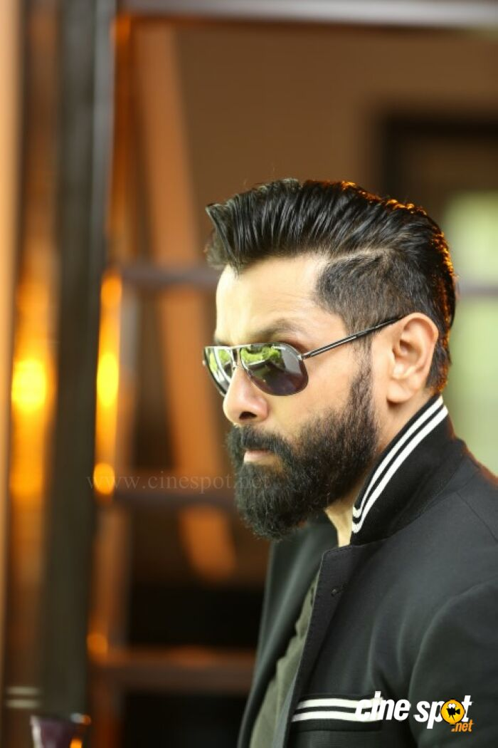 Chiyaan Vikram New Look Photoshoots 13