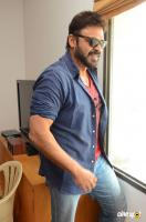 Venkatesh Interview Photos (7)