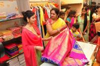 SR Fashion Studio Inaugurated by Poorna (4)
