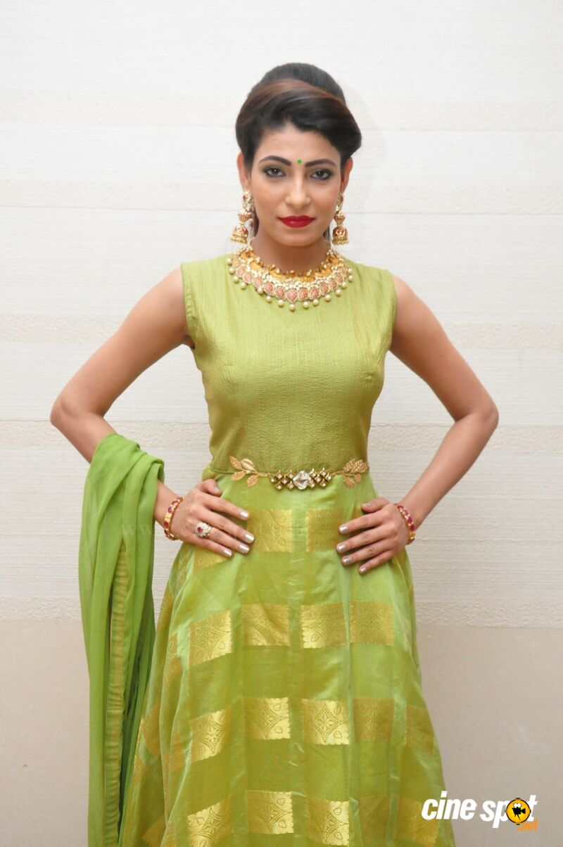 Nikitha Sony at UE The Jewellery Expo Press Meet (1)