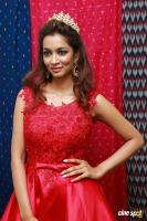 Rashmi Thakur New Photos (27)