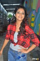 Janani Iyer at Vithi Mathi Ulta Shooting Spot (11)