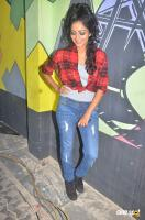 Janani Iyer at Vithi Mathi Ulta Shooting Spot (2)