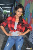 Janani Iyer at Vithi Mathi Ulta Shooting Spot (8)