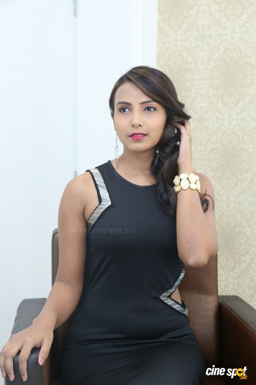 Priya Kumari at Natural Launches Family Beauty Salon (20)