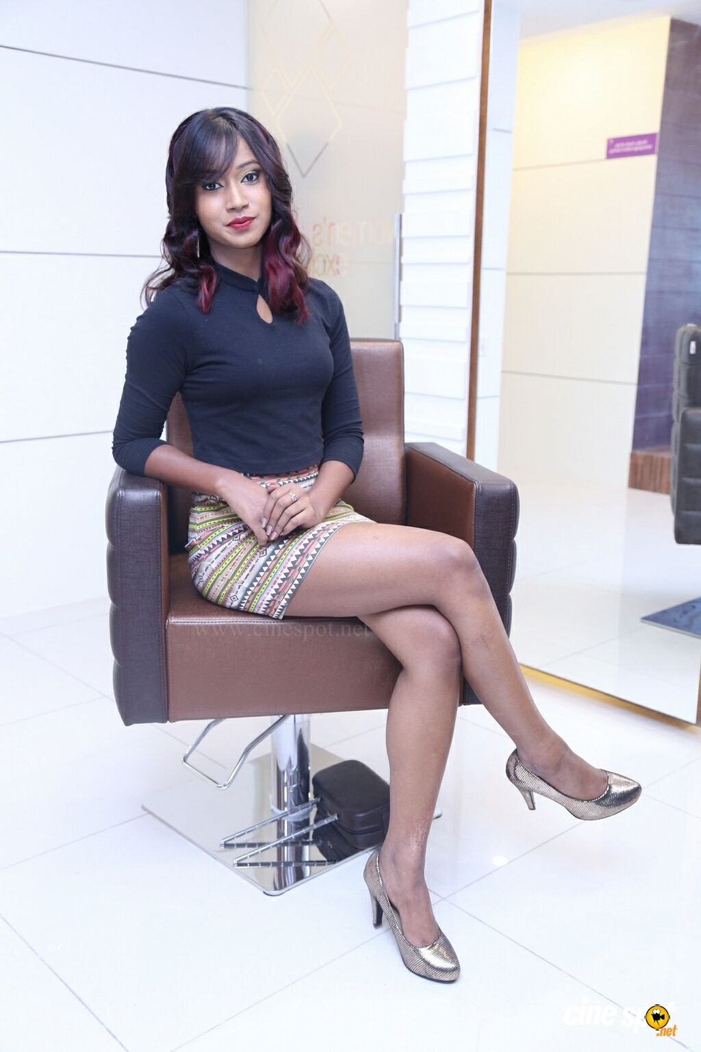 Sonali Kashyap at Natural Launches Family Beauty Salon (13)