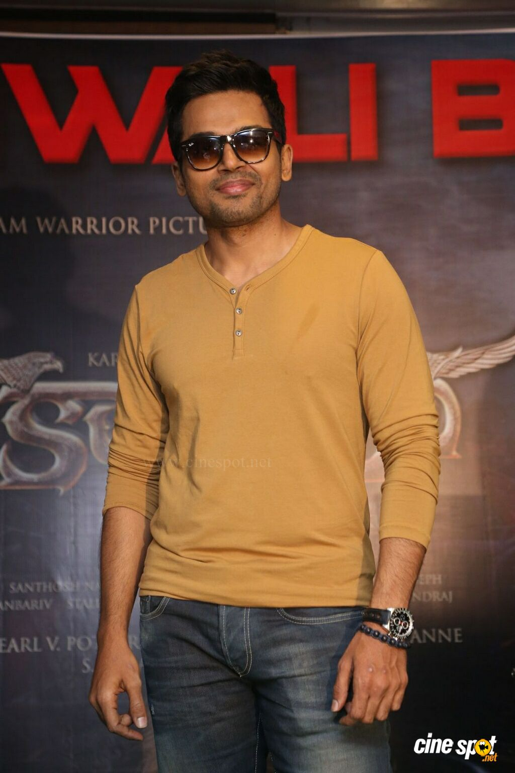 Karthi at Kashmora Movie Success Meet (8)