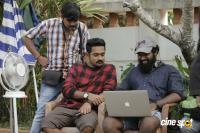 Honey Bee 2 Shooting Spot (1)