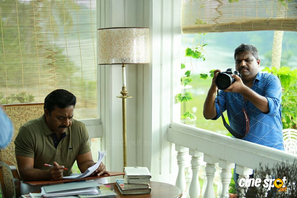 Role Models Shooting Spot Stills (3)