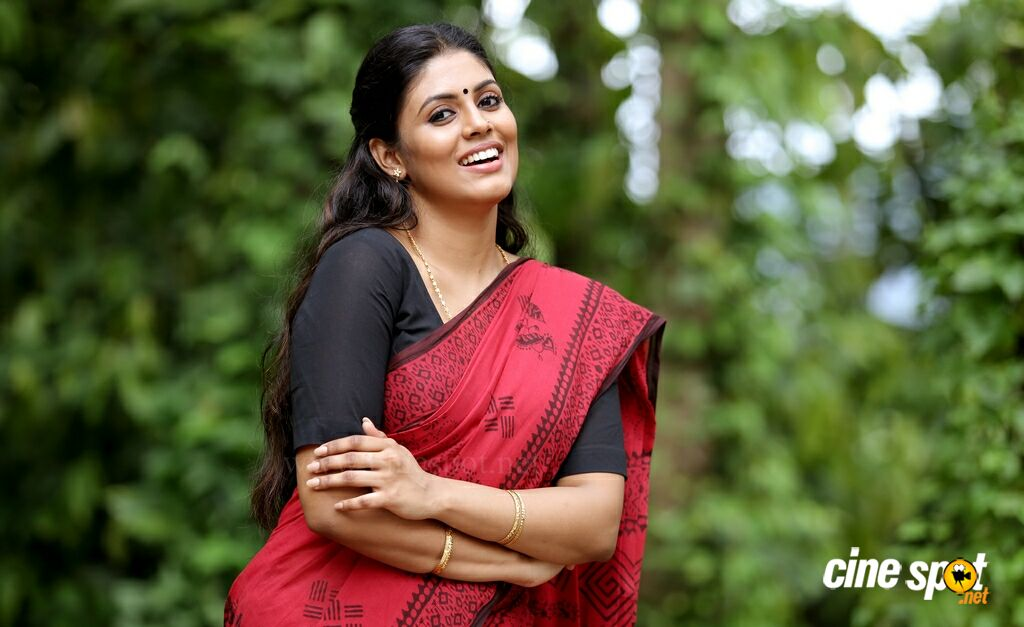 iniya pon nilave song lyrics