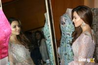 Sana Khan at A Festive Preview Pop Up Fashion Show (7)