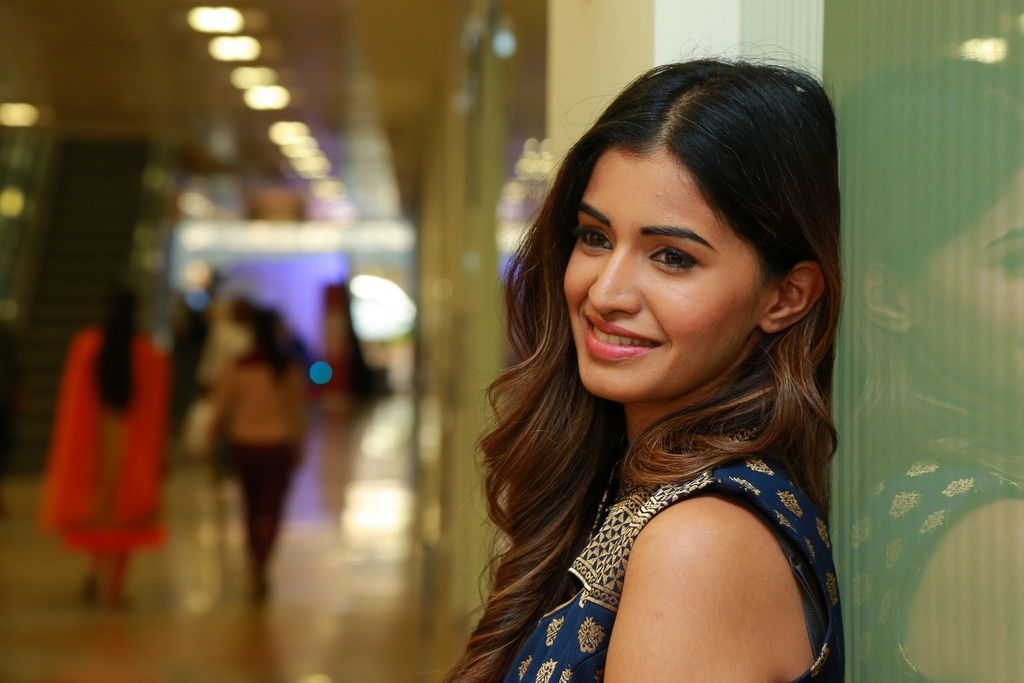 Sushruthi Krishna at Hi Life Exhibition Launch (26)