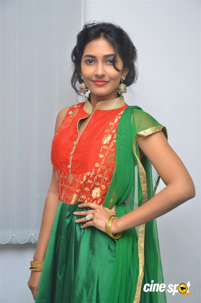 Manasa Nair at Ennodu Nee Irundhaal Audio Launch (4)