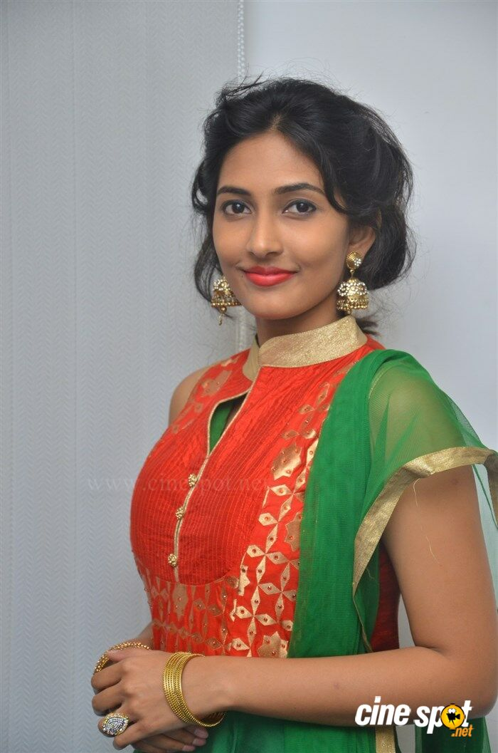 Manasa Nair at Ennodu Nee Irundhaal Audio Launch (6)