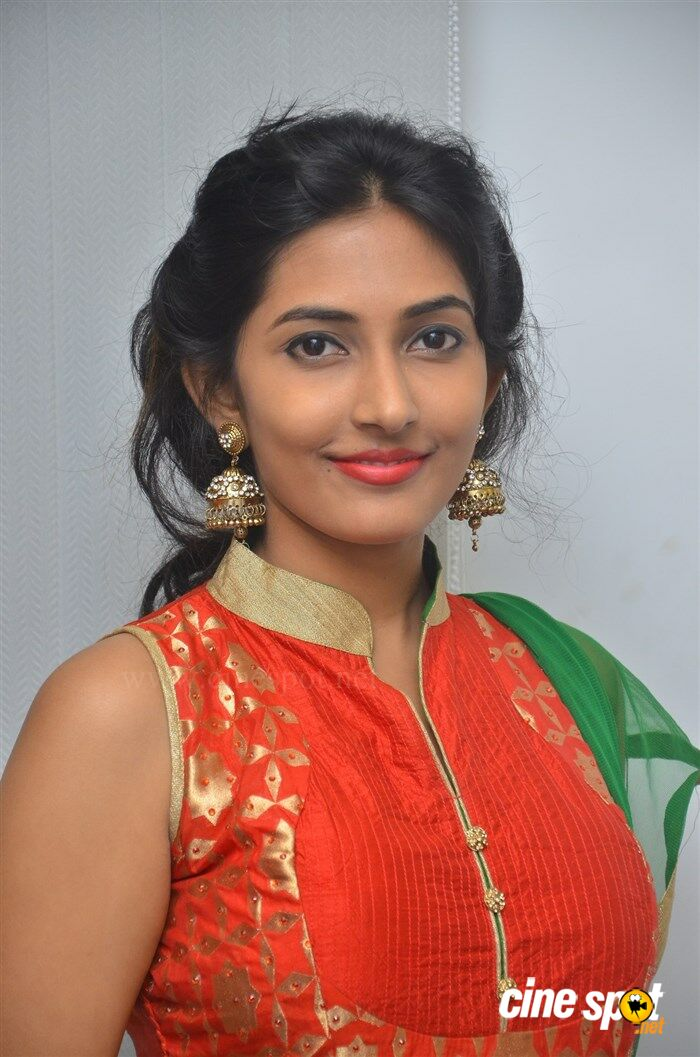Manasa Nair at Ennodu Nee Irundhaal Audio Launch (8)