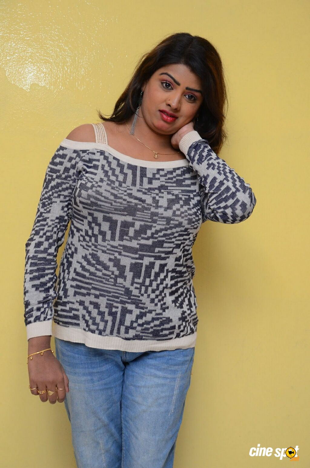 Sridevi at No 1 Hero Rajendra Movie Press Meet (17)
