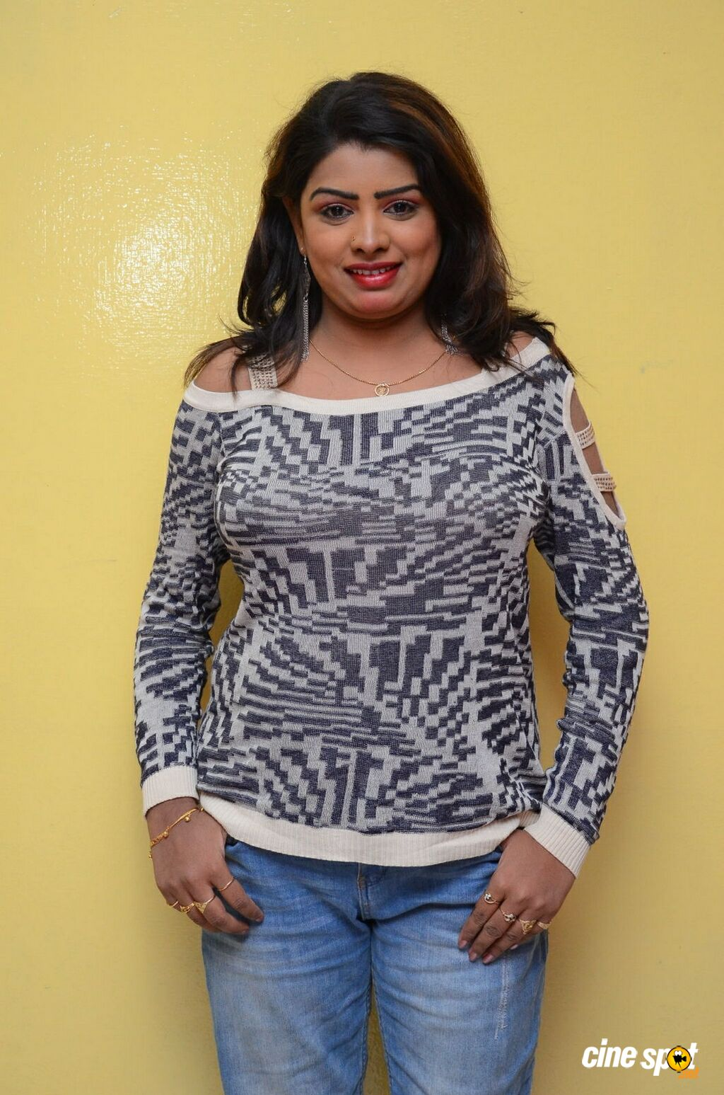 Sridevi at No 1 Hero Rajendra Movie Press Meet (6)