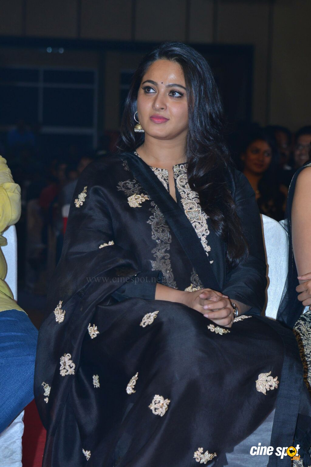 Anushka Shetty at Om Namo Venkatesaya Audio Launch (2)