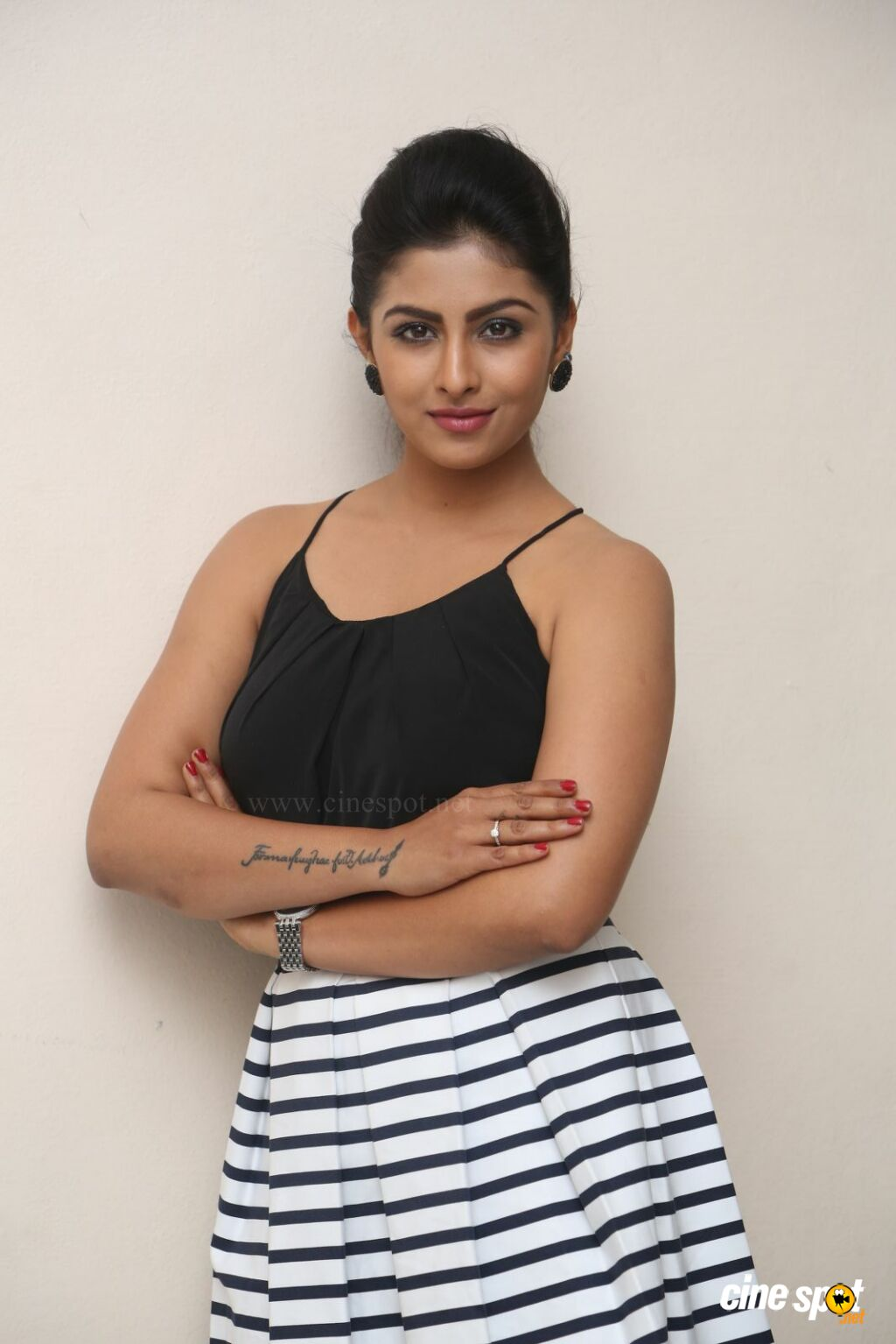 Kruthika New Photos (14)