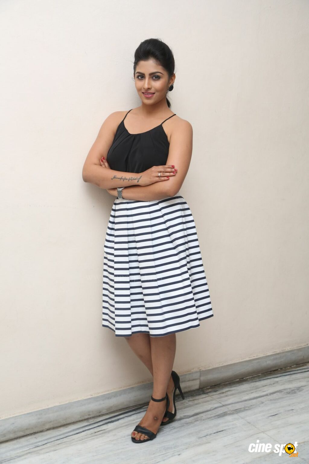 Kruthika New Photos (15)