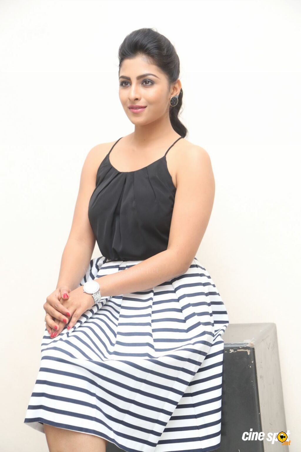 Kruthika New Photos (42)