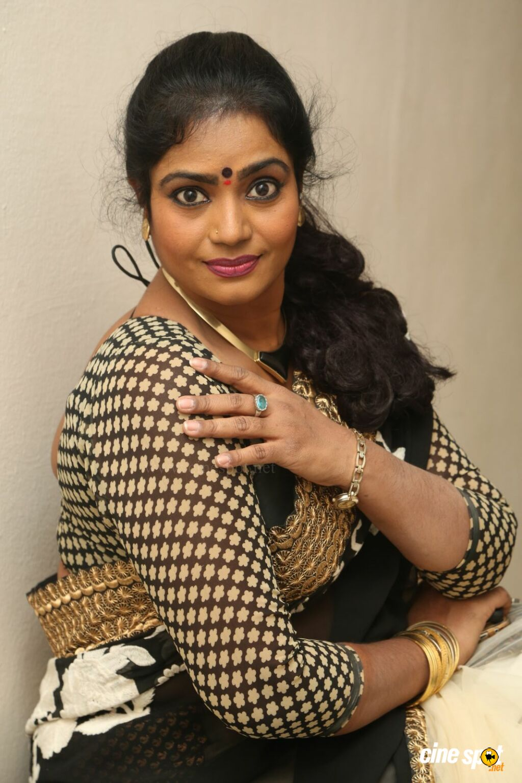 Jayavani New Photos (16)