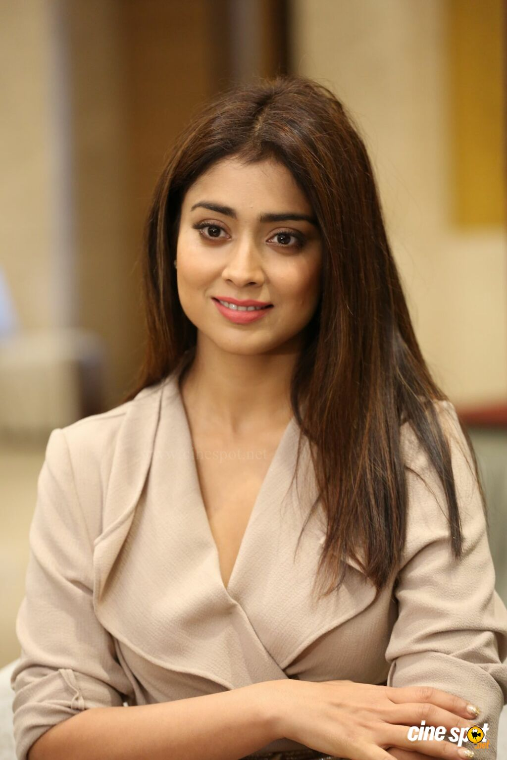 Shriya Saran Latest Stills (22)
