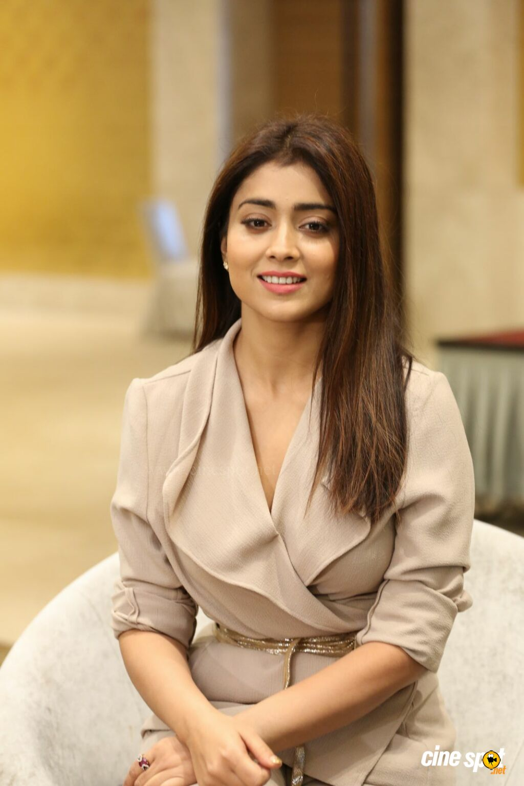 Shriya Saran Latest Stills (5)