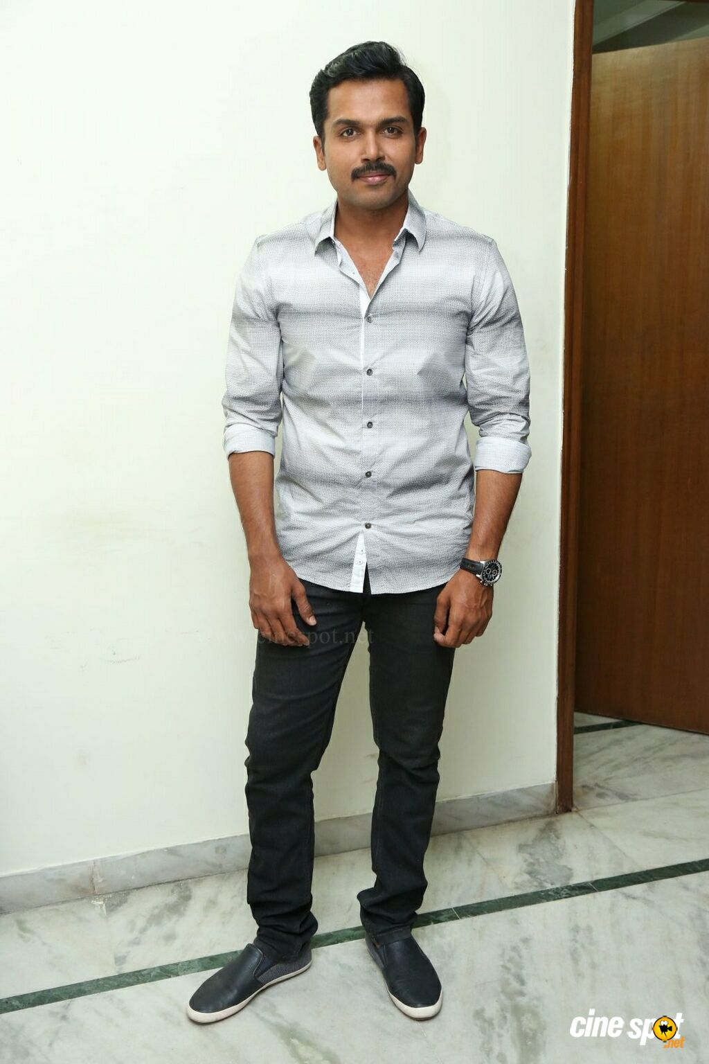 Karthi at Cheliyaa Movie Press Meet (3)