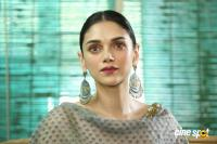 Aditi Rao Hydari at Cheliyaa Movie Press Meet (39)
