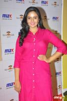 Sreemukhi Latest Images (2)