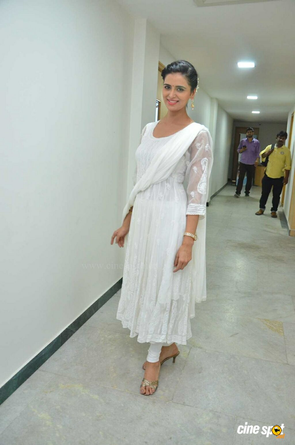 Meenakshi Dixit Latest Photos (3)