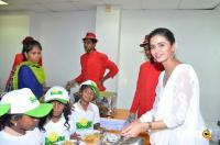 Quaker & Smile Foundation Feed A Child Event (25)