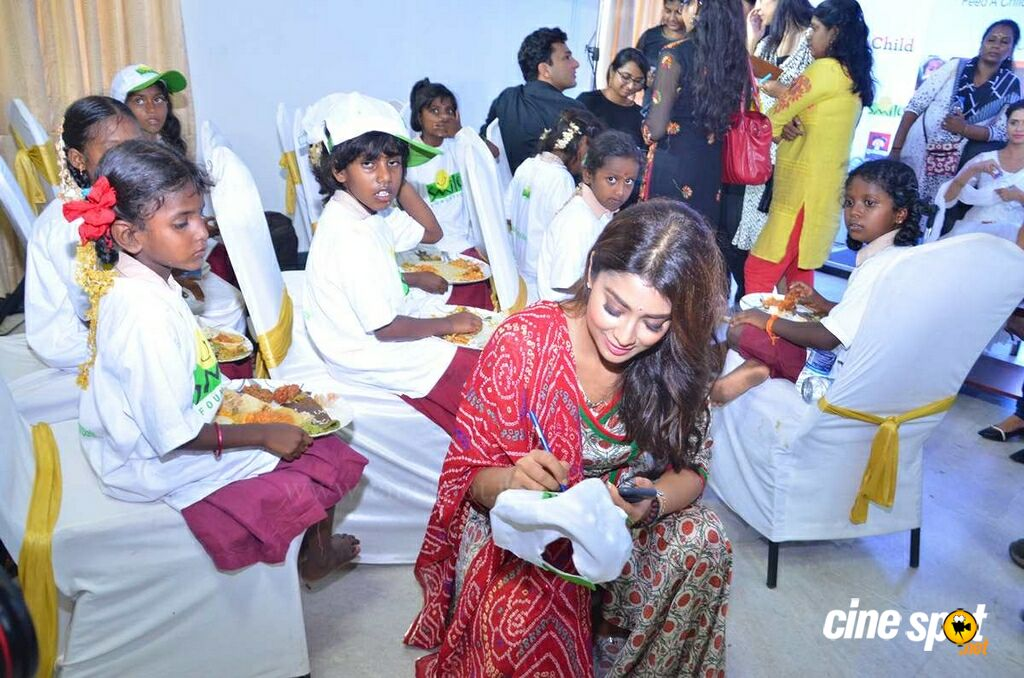 Quaker & Smile Foundation Feed A Child Event (27)
