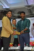 Vishal Launches HowdyDo Messaging App (20)