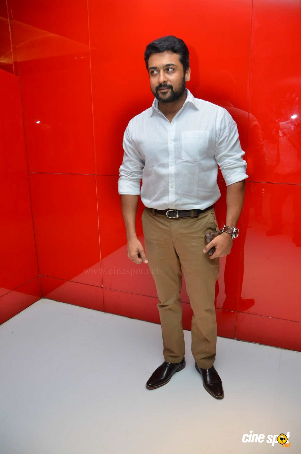 Suriya at Magalir Mattum Audio Launch (2)